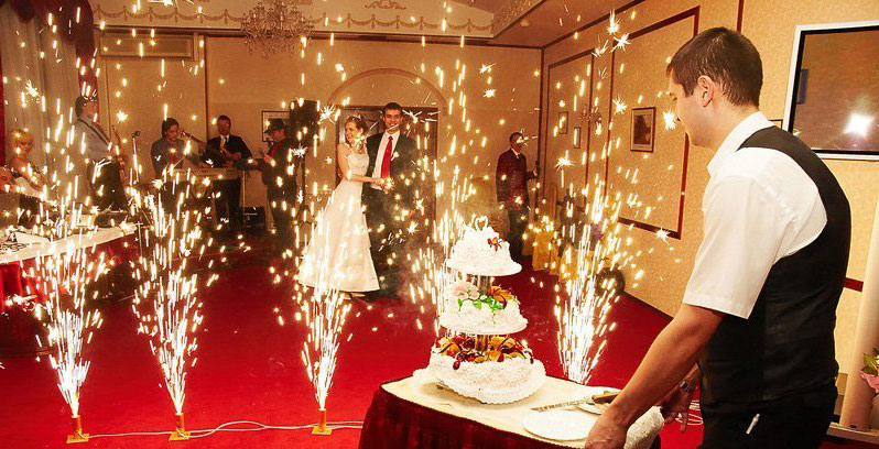 Свадебные фонтаны на вынос торта картинка