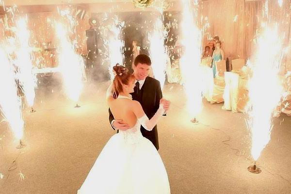 Фонтаны на свадьбу (холодные) картинка