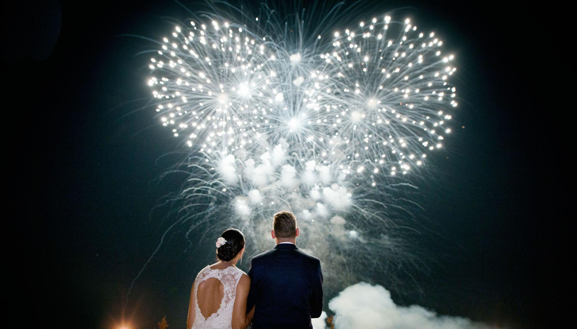 Салют на свадьбу картинка